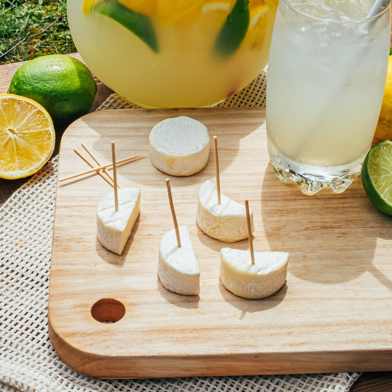 ile de france brie bites with fresh lemonade
