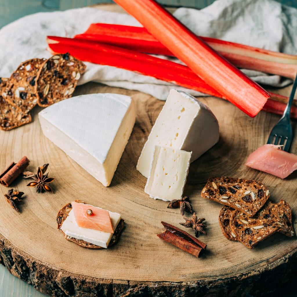 ile de france brie and rhubarb on top of cereal bread