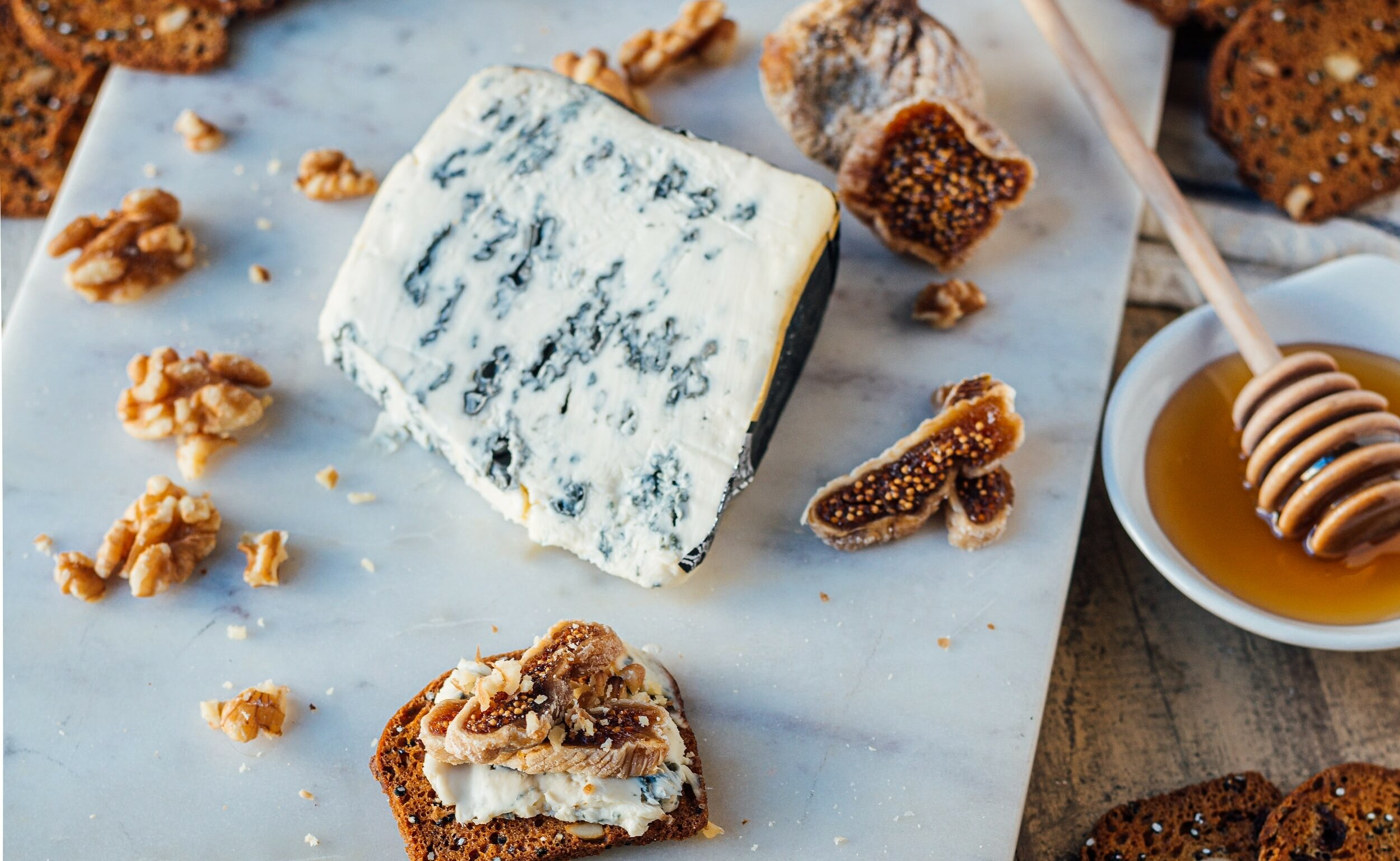 saint agur and fig on a cereal bread