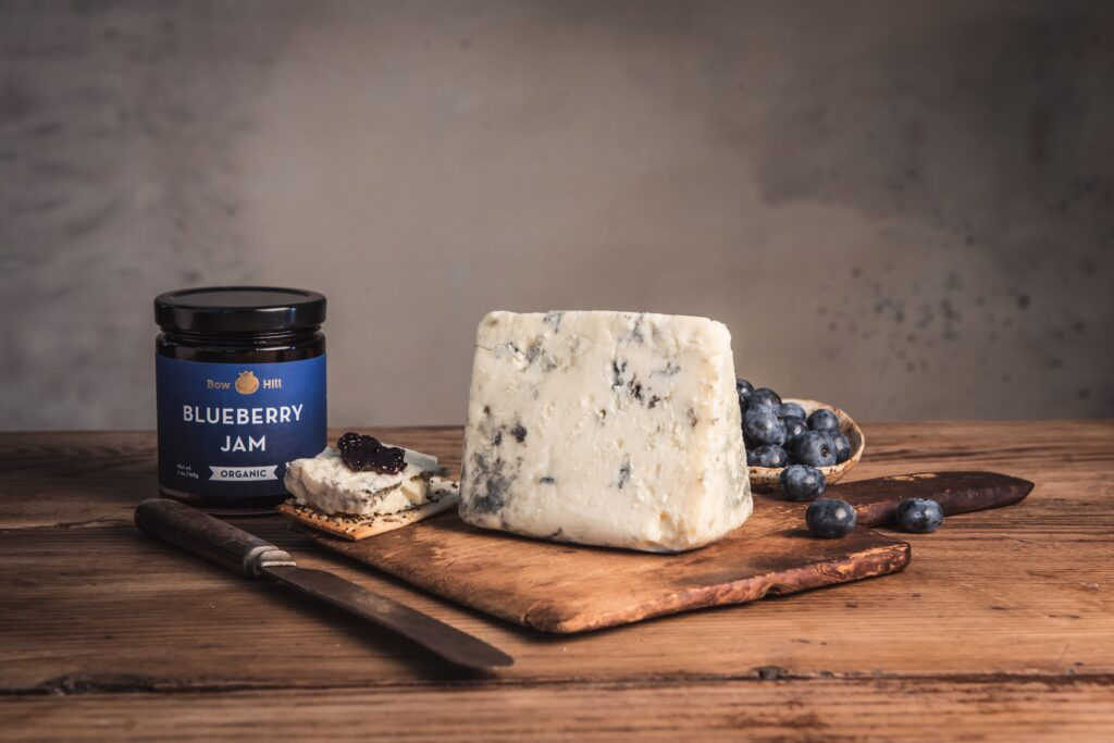 rogue oregon blue cheese with blueberry jam